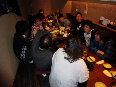 LMC New Year Party 2011: いわゆる重鎮卓。いちばん盛り上がってます!